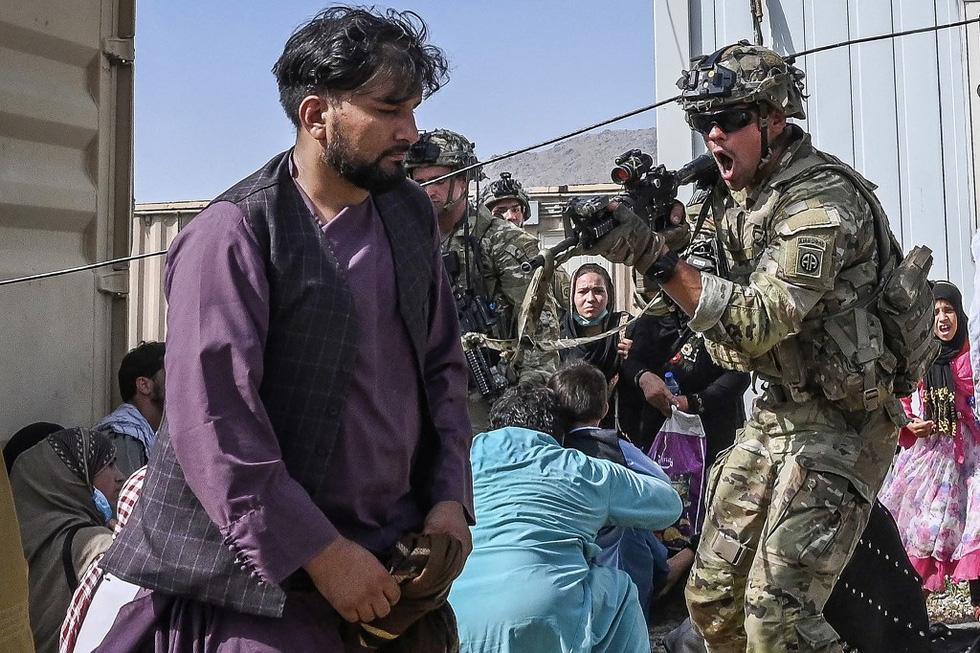 24 giờ hỗn loạn ở Afghanistan - Ảnh 5.