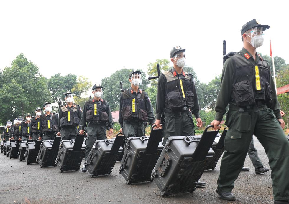 Trung đoàn Cảnh sát cơ động Tây Nguyên chi viện cho Bà Rịa - Vũng Tàu chống dịch - Ảnh 1.
