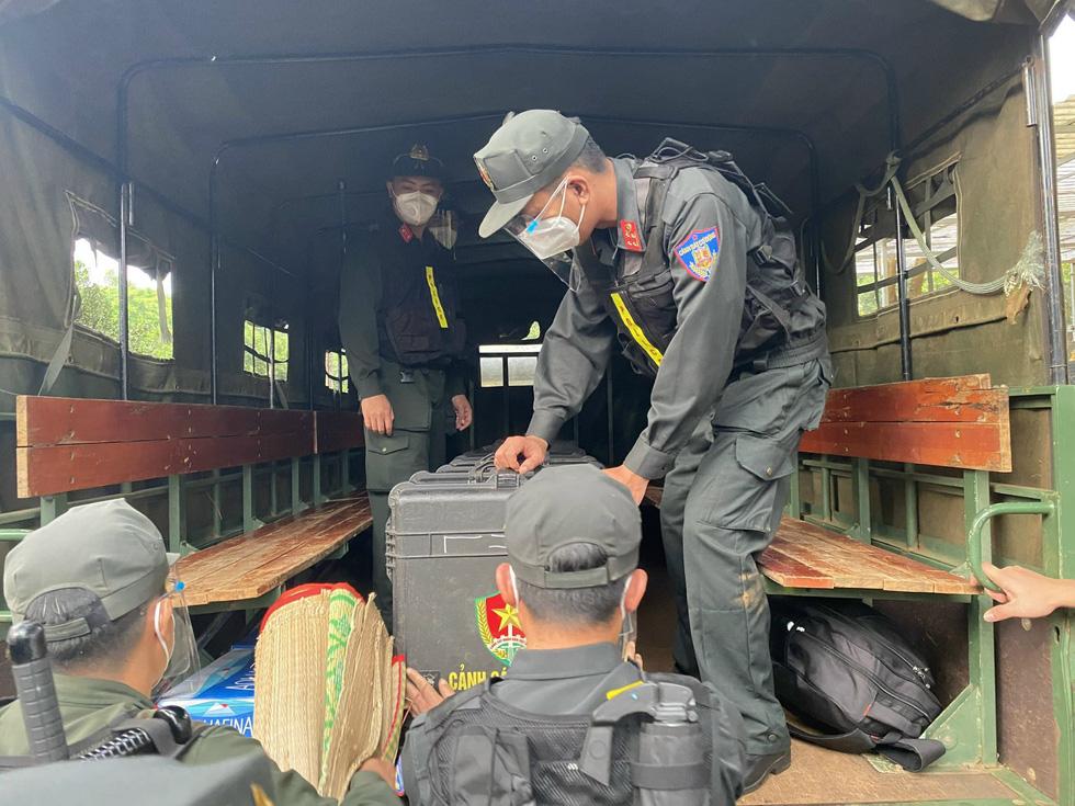 Trung đoàn Cảnh sát cơ động Tây Nguyên chi viện cho Bà Rịa - Vũng Tàu chống dịch - Ảnh 4.