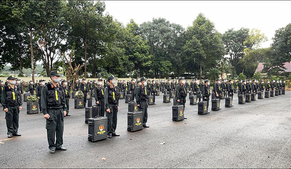 Trung đoàn Cảnh sát cơ động Tây Nguyên chi viện cho Bà Rịa - Vũng Tàu chống dịch - Ảnh 2.