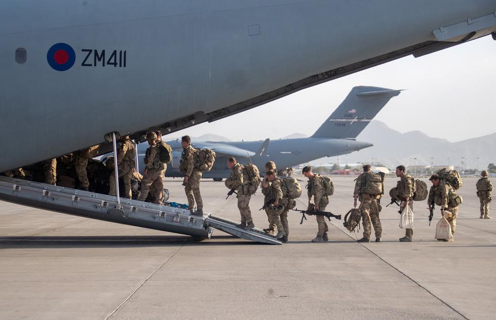 Những giờ phút cuối cùng của phương Tây tại Afghanistan - Ảnh 5.