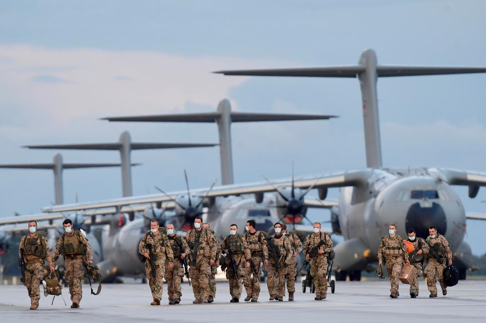 Những giờ phút cuối cùng của phương Tây tại Afghanistan - Ảnh 7.