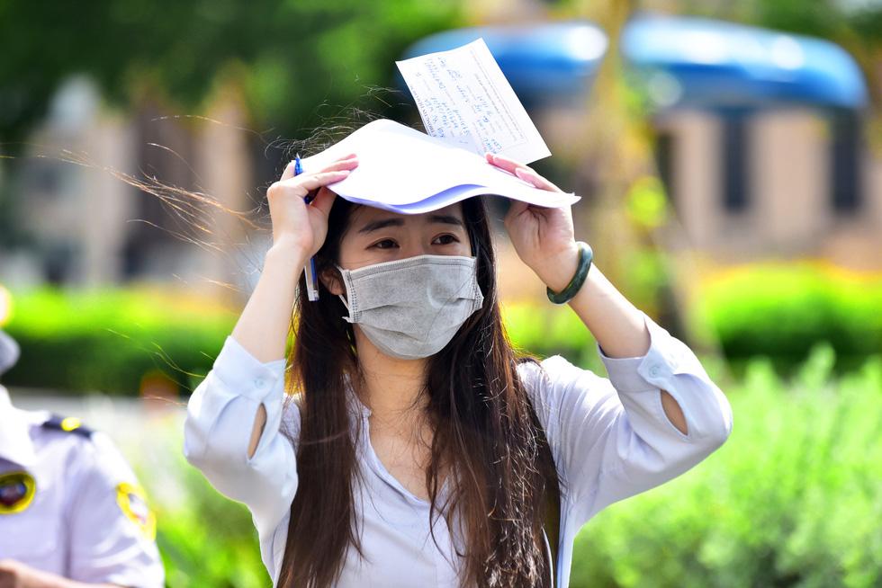 Người nước ngoài được tiêm vắc xin tại TP.HCM: Cảm ơn Việt Nam quan tâm đến chúng tôi! - Ảnh 3.