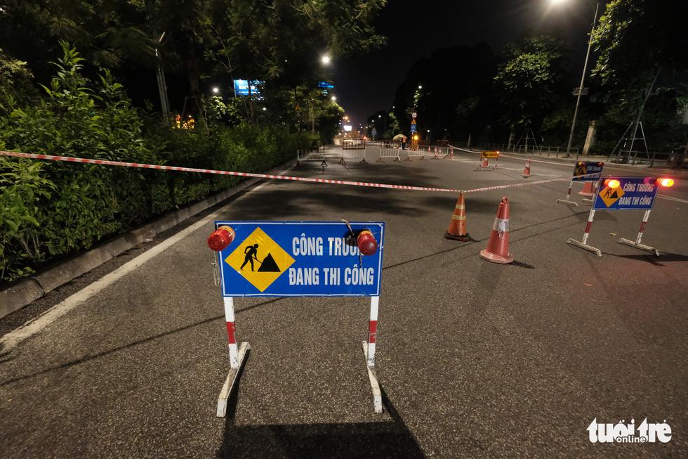 Xuyên đêm sửa chữa hầm Kim Liên, Hà Nội - Ảnh 6.