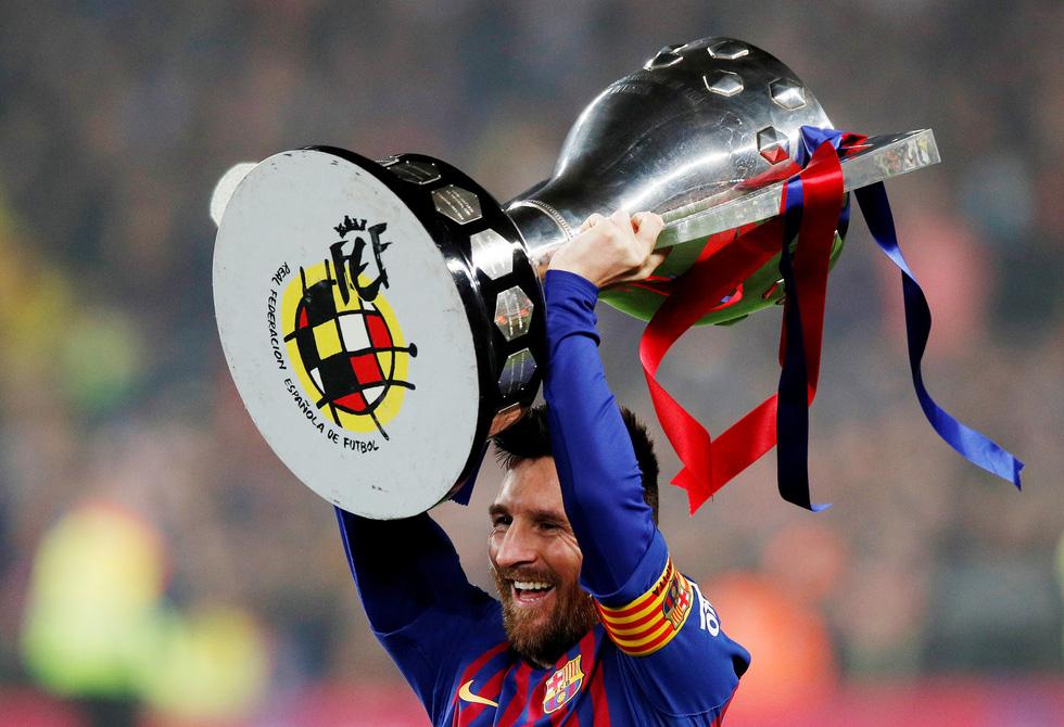 Sự nghiệp của Messi tại Barca qua ảnh - Ảnh 12.