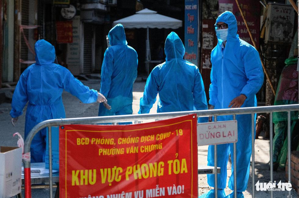 Hà Nội đang xét nghiệm 5.000 người liên quan chuỗi lây Công ty Thanh Nga - Ảnh 6.
