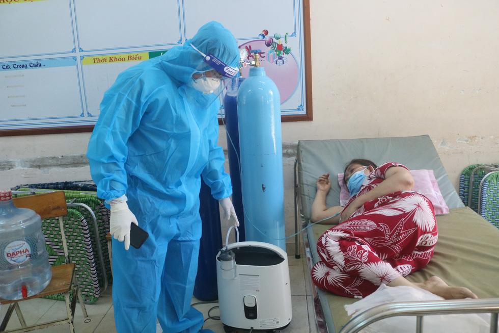 'Bệnh viện dã chiến tuyến huyện' ở TP.HCM chữa khỏi cả ngàn F0 - Ảnh 5.
