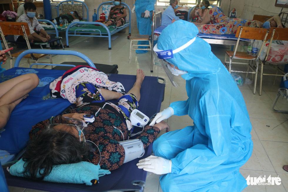 'Bệnh viện dã chiến tuyến huyện' ở TP.HCM chữa khỏi cả ngàn F0 - Ảnh 7.