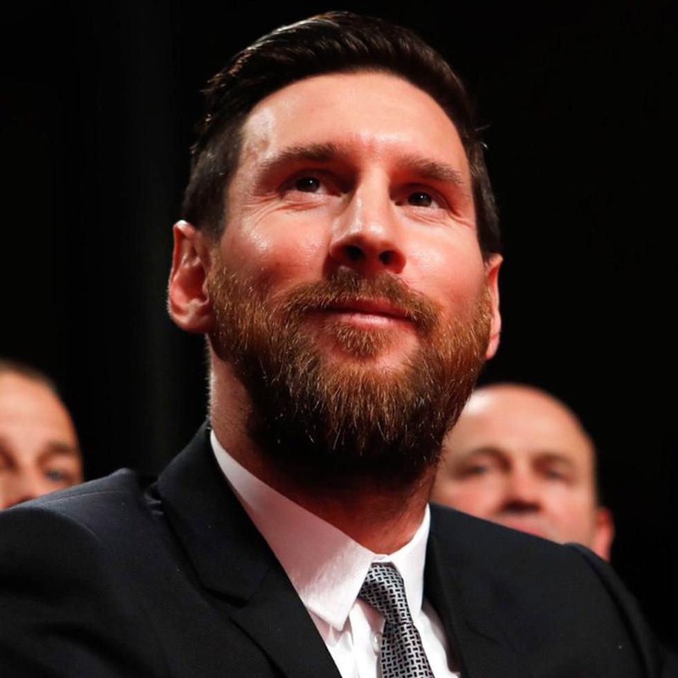 Họp báo bắt đầu: Messi khóc và nói không bao giờ nghĩ tới việc rời Barca - Ảnh 6.