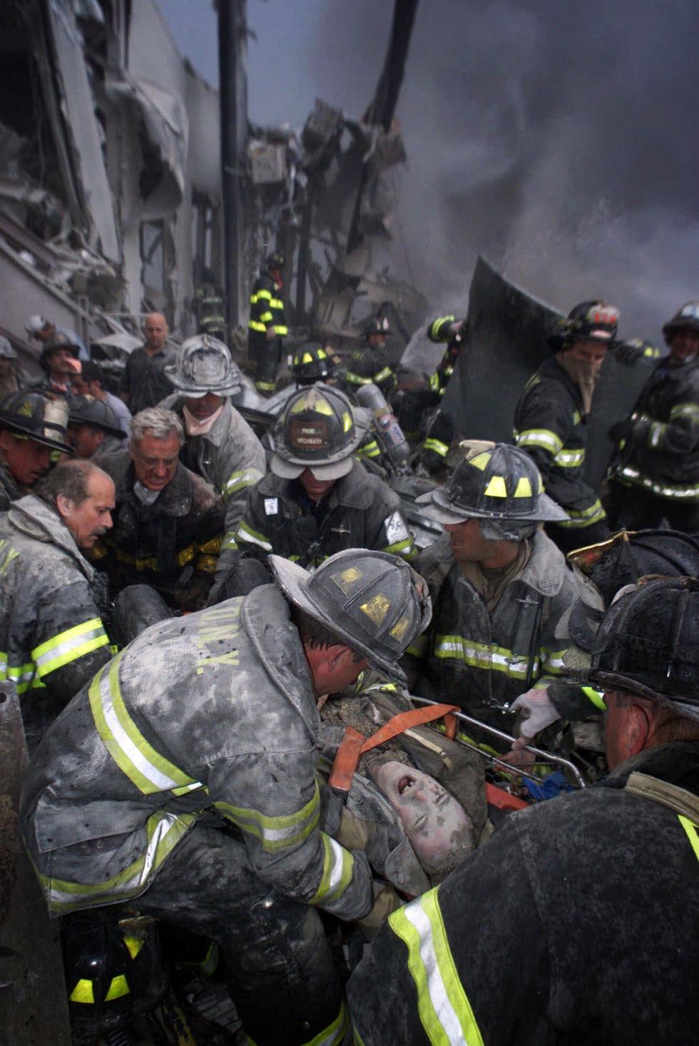 Toàn cảnh vụ khủng bố ngày 11-9-2001 làm thay đổi nước Mỹ - Ảnh 15.