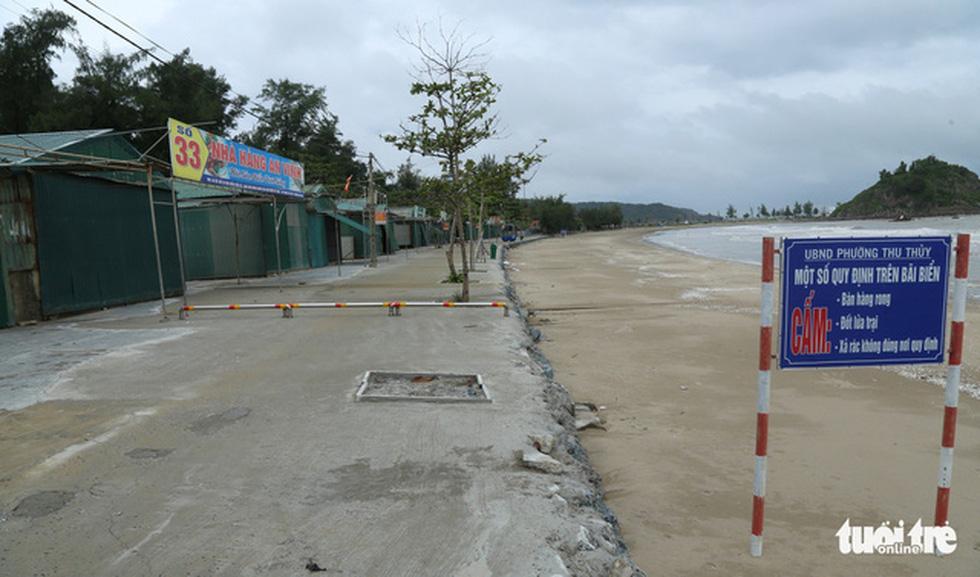 Chống bão số 5: Huế hạn chế dân ra đường, Nghệ An sơ tán dân đến nơi an toàn - Ảnh 11.
