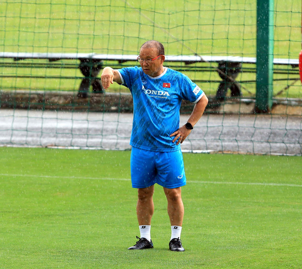 Công Phượng trở lại tập luyện cùng đội tuyển để chuẩn bị đá với Trung Quốc - Ảnh 1.