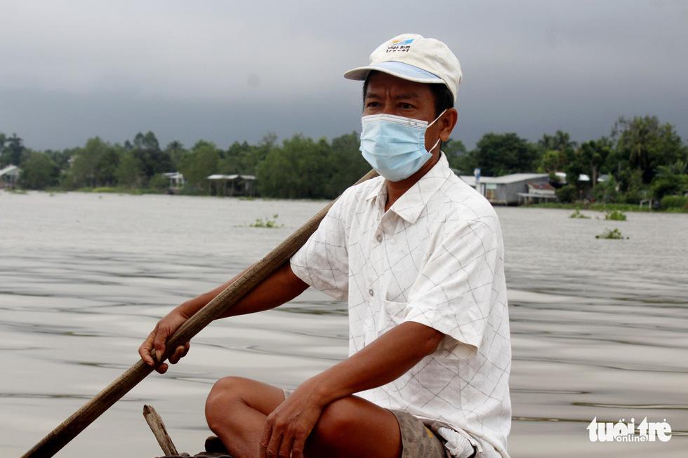 Dân vùng ven Cần Thơ vui mừng thả lưới, câu cá sau 2 tháng ở nhà - Ảnh 6.