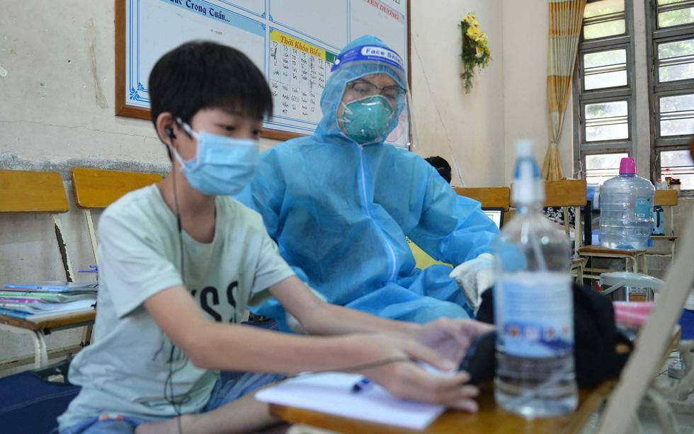 Học trực tuyến trong bệnh viện dã chiến - Ảnh 4.