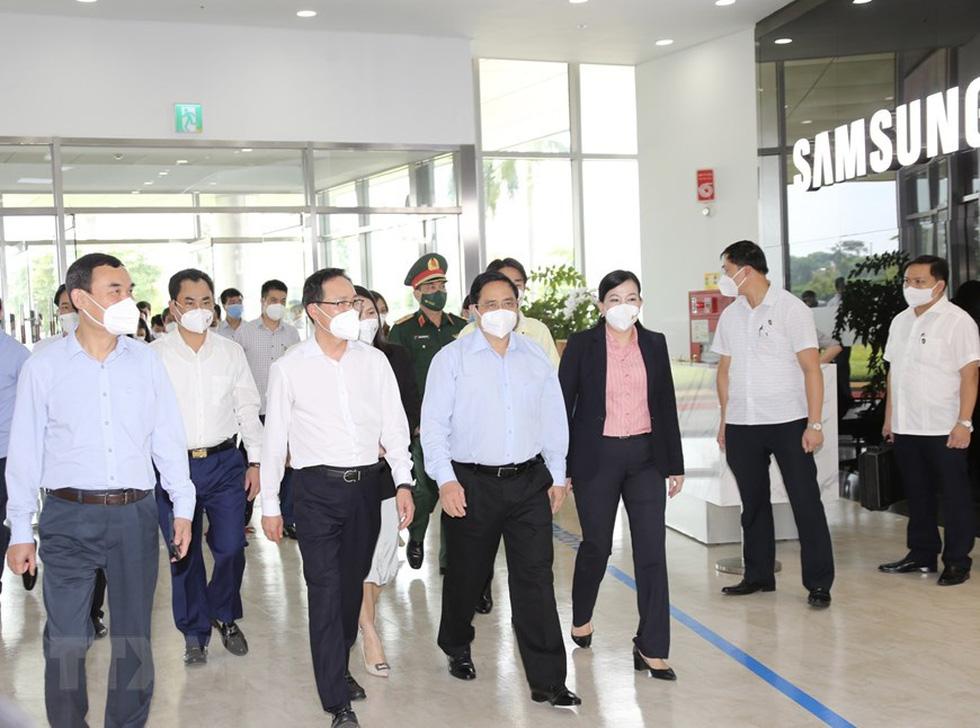 Thủ tướng thăm Nhà máy Samsung Electronics Việt Nam Thái Nguyên - Ảnh 1.