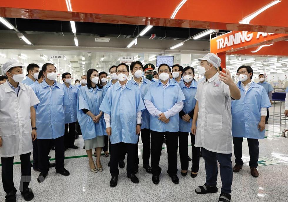 Thủ tướng thăm Nhà máy Samsung Electronics Việt Nam Thái Nguyên - Ảnh 6.