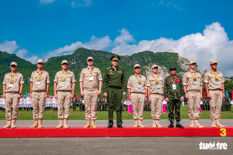 Army Games 2021 bế mạc, đội tuyển Việt Nam về nhất cuộc thi 'xạ thủ bắn tỉa' - Ảnh 7.