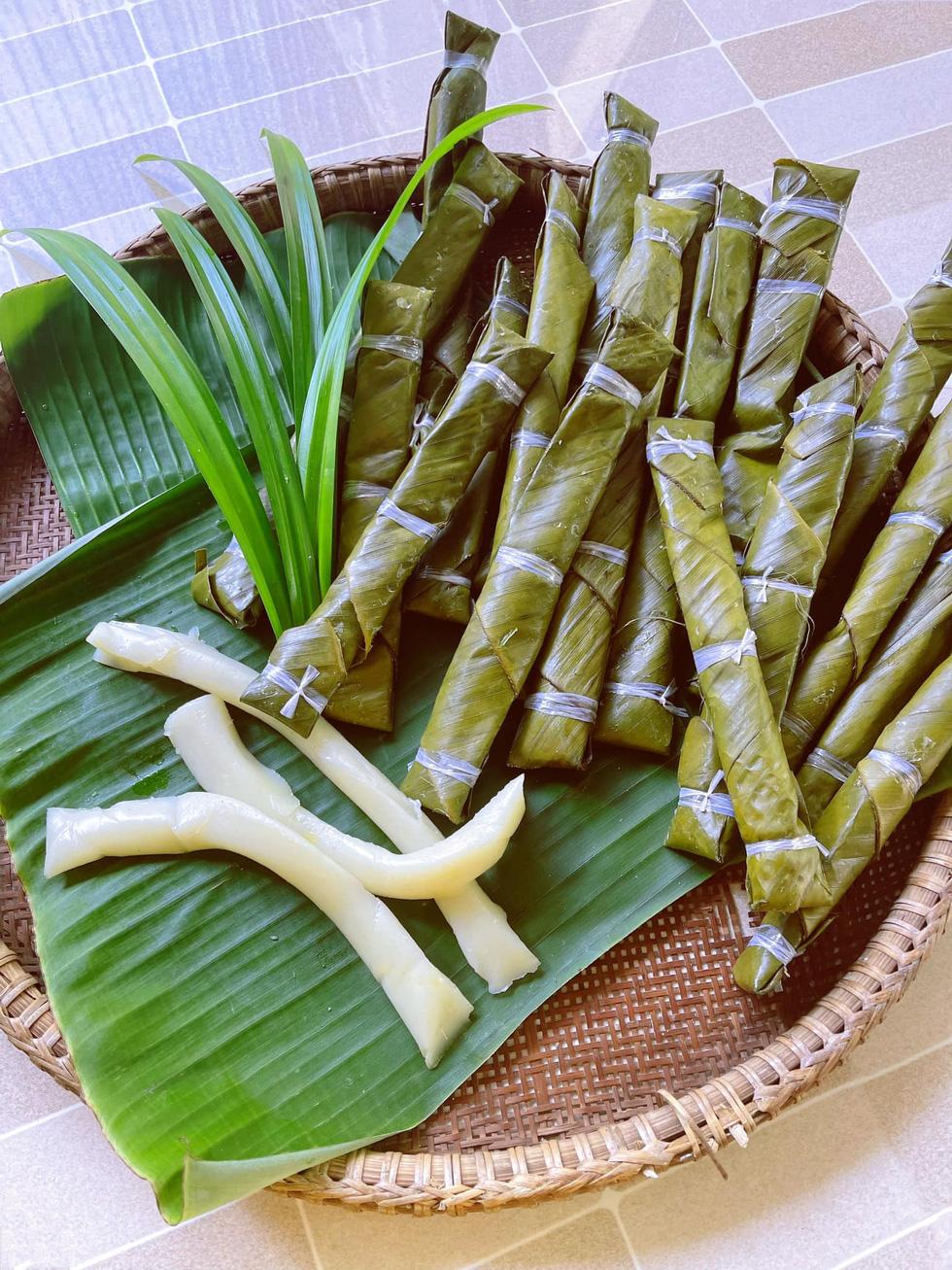 Nhà thiết kế công chúa Nguyễn Minh Công trổ tài làm bánh Nam Bộ - Ảnh 21.