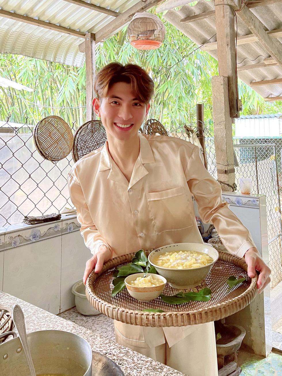 Nhà thiết kế công chúa Nguyễn Minh Công trổ tài làm bánh Nam Bộ - Ảnh 3.