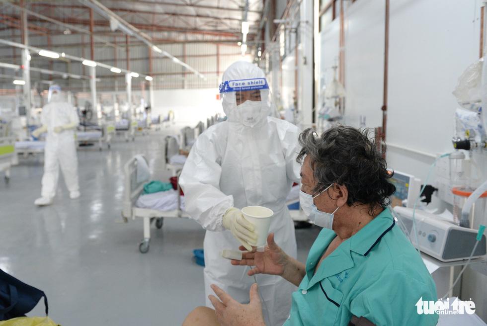 Bệnh viện dã chiến thuộc Bộ Công an nâng tầng điều trị - Ảnh 4.
