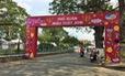 Làm phố xuân bán vé ở bờ hồ Trúc Giang, dân Bến Tre bức xúc