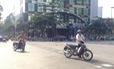 Xử lý tình trạng xe băng ngang Phố đi bộ Nguyễn Huệ