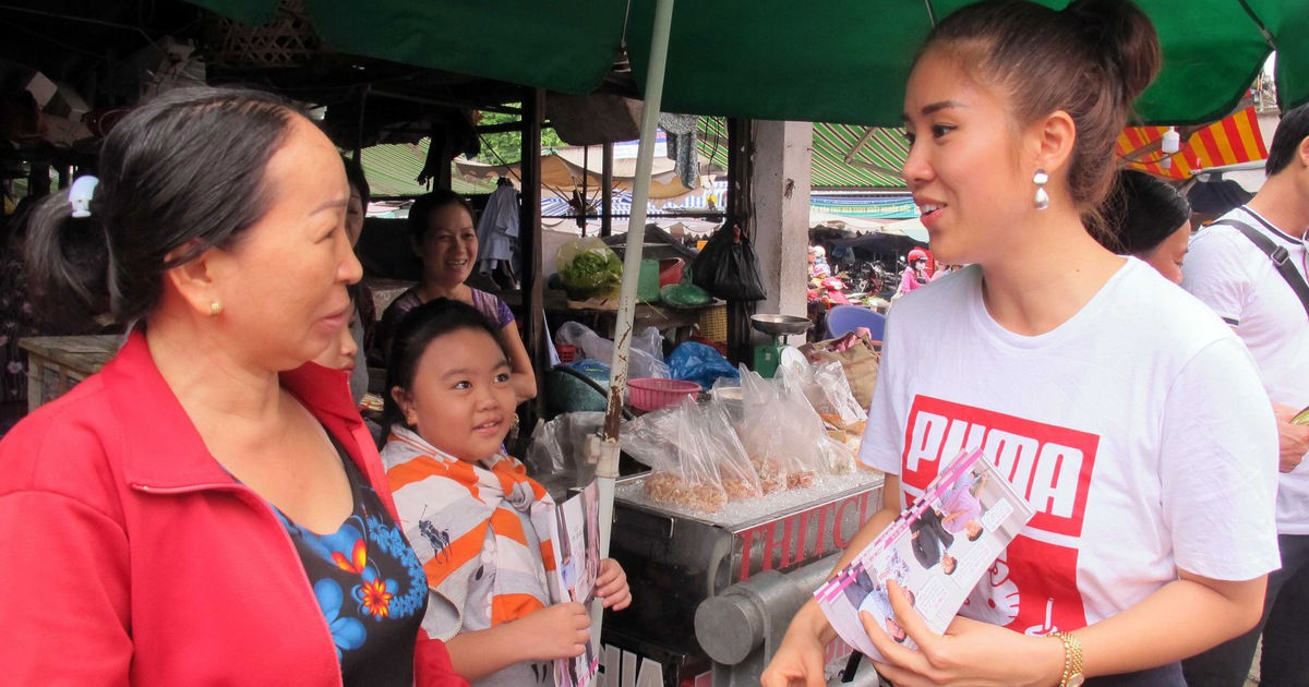 Vào chợ Bà Chiểu tiếp thị phim Gạo nếp gạo tẻ