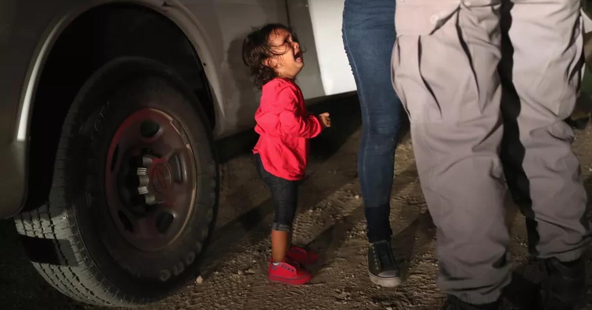 Tách trẻ nhập cư khỏi cha mẹ, phép thử đạo đức – lợi ích cho Mỹ!