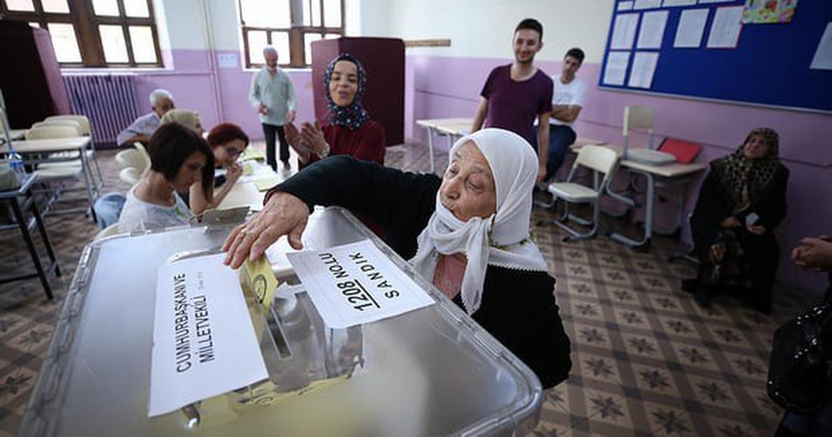 Tổng thống Thổ Nhĩ Kì tự tuyên bố chiến thắng