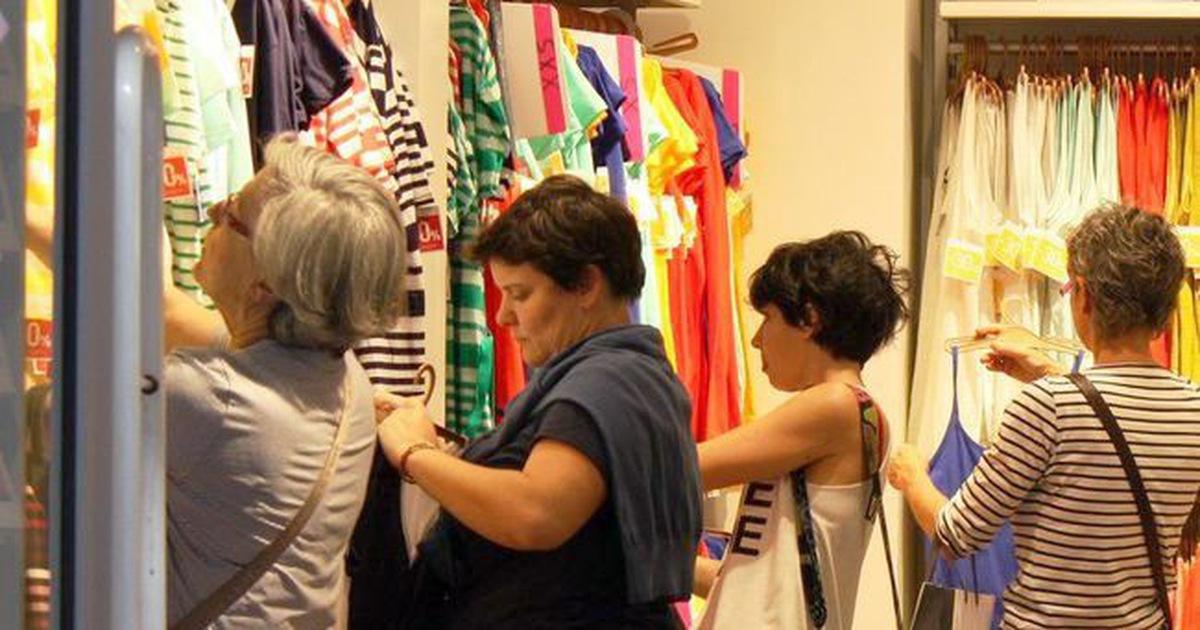 Mặc ngay quần áo mới mua: Coi chừng bị dị ứng và ung thư!