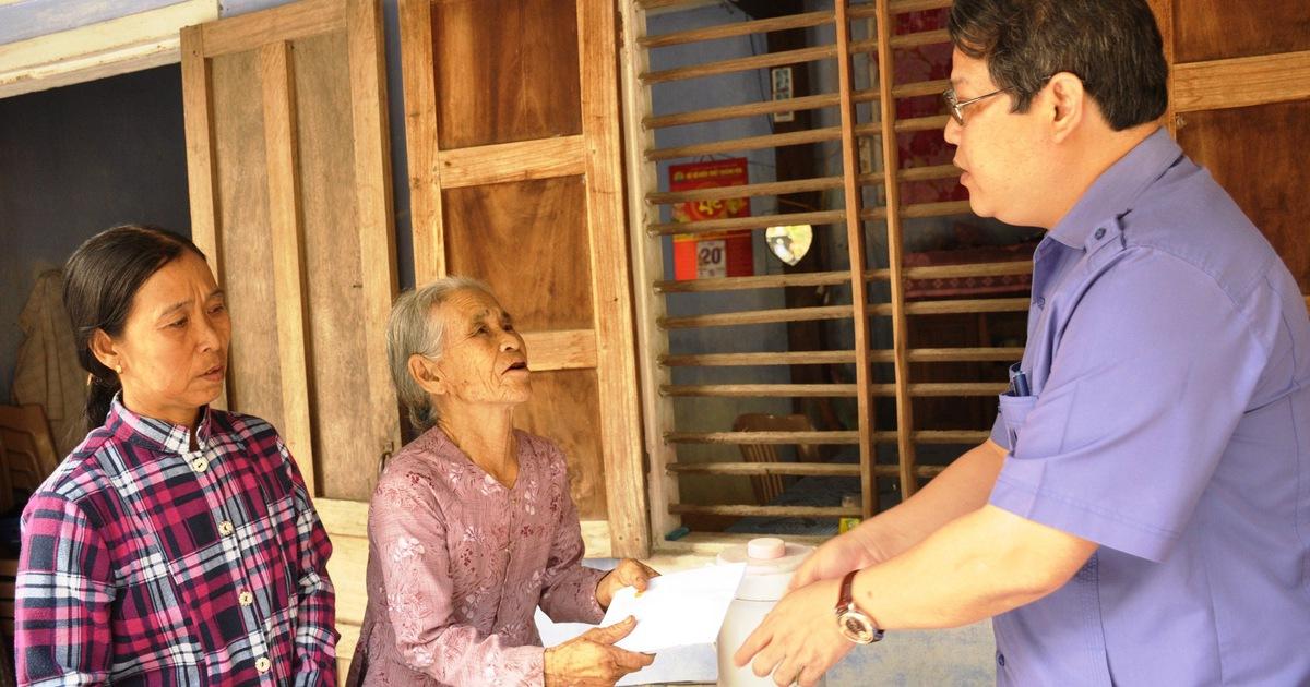 Gia đình Thủ tướng vận động 100 triệu giúp gia đình anh dân quân cứu dân trong lũ