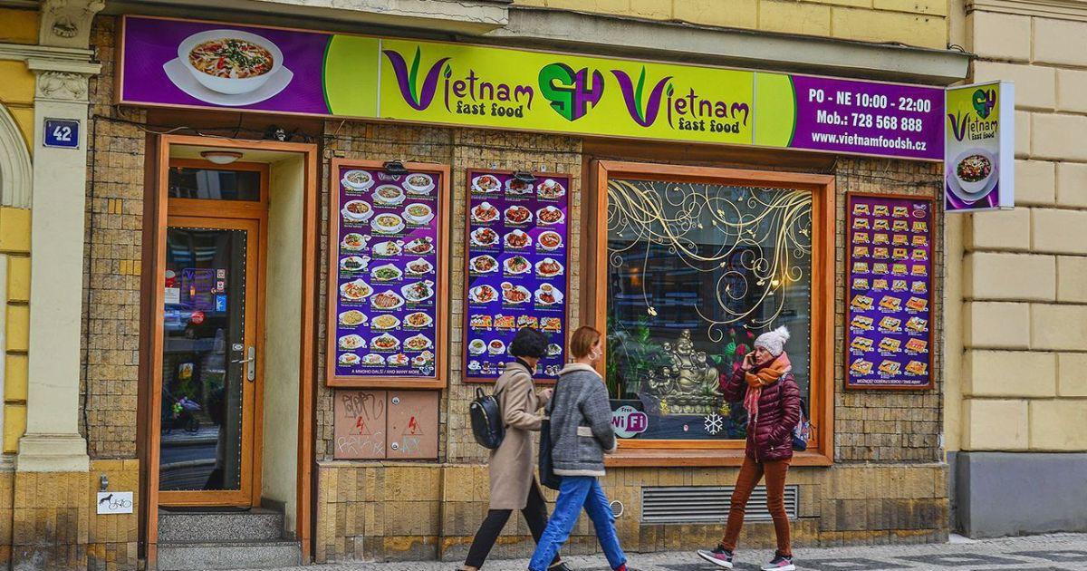 Economist: Dân nhập cư Việt ở Ba Lan, Czech sống thịnh vượng, không 'ăn bám'