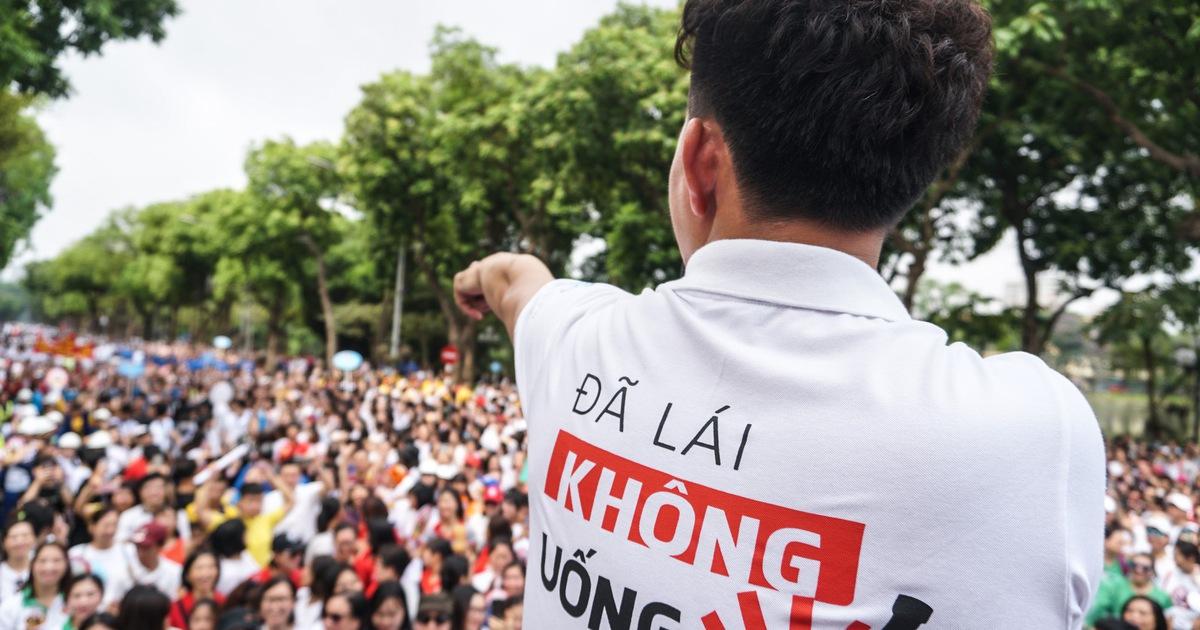Hàng ngàn người đi bộ cho thông điệp 'Đã uống rượu bia không lái xe