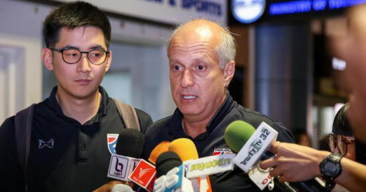 HLV U23 Thái Lan từ chức để dẫn dắt CLB của Văn Lâm?