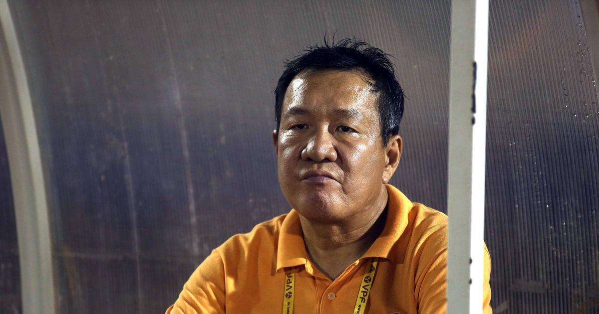 Cựu HLV trưởng đội tuyển Việt Nam 'bay ghế' ở CLB Quảng Nam