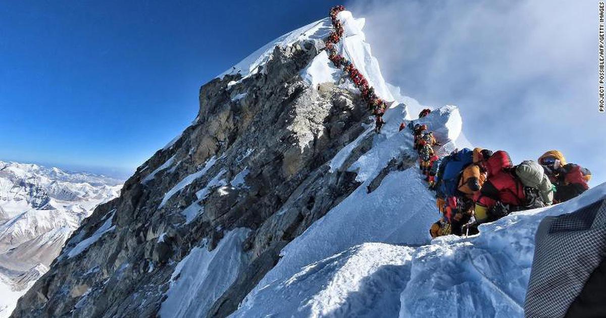 Đã có 11 người chết vì leo núi Everest từ đầu 2019, vì sao?