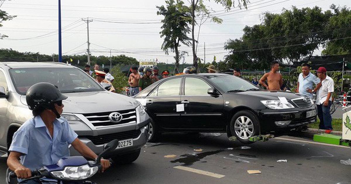 Bắt khẩn cấp chủ doanh nghiệp kêu giang hồ vây xe công an