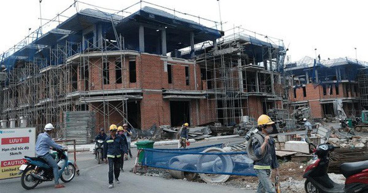 Xây ''chui'' 110 biệt thự ở quận 7: Chủ đầu tư và cơ quan quản lý đều sai