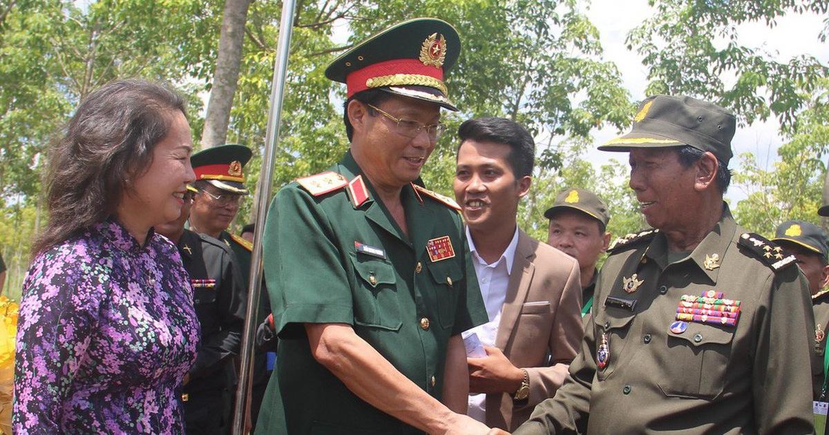 Bộ trưởng Quốc phòng Campuchia: ''Sự giúp đỡ của Việt Nam không phải là xâm lược''