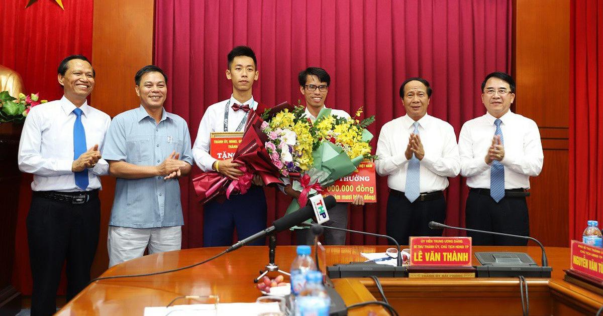 Nam sinh đoạt huy chương vàng Olympic toán quốc tế được thưởng nửa tỉ đồng