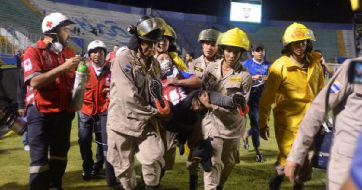 Cảnh xung đột đẫm máu ở trận bóng đá Honduras, 3 người chết