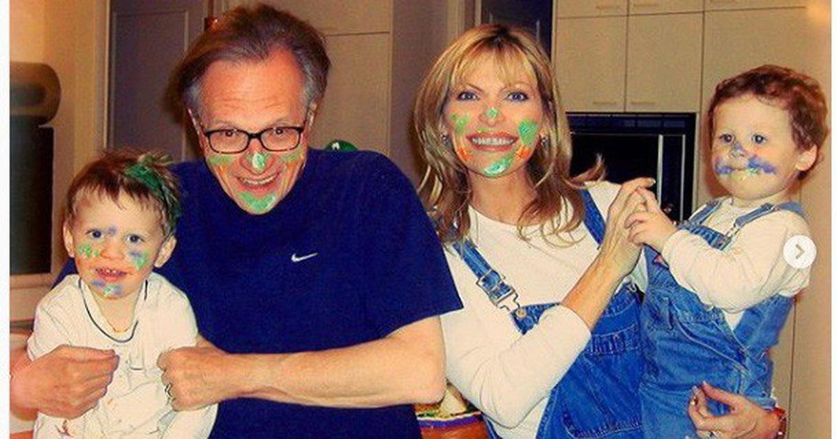 Người dẫn chương trình Larry King nộp đơn ly hôn lần 8 với người vợ thứ 7