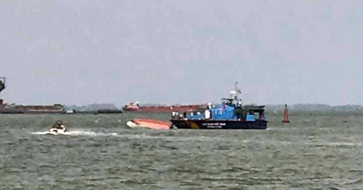 Lật ca nô 19 người rơi xuống biển Vũng Tàu, may mắn được cứu