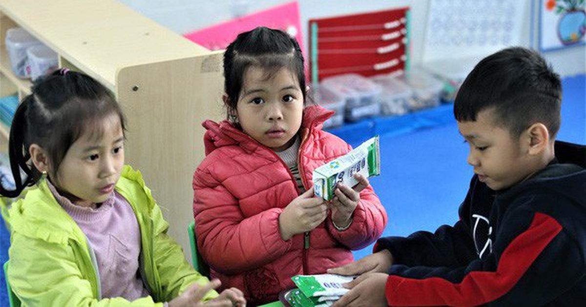 Ba năm mòn mỏi chờ tiêu chuẩn sữa học đường