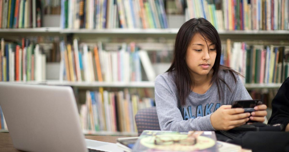 Sinh viên Mỹ nợ ngập đầu sau khi ra trường