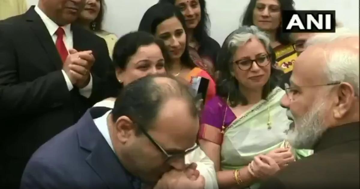 Thủ tướng Ấn Độ được hôn tay, chào đón như siêu sao ở Mỹ