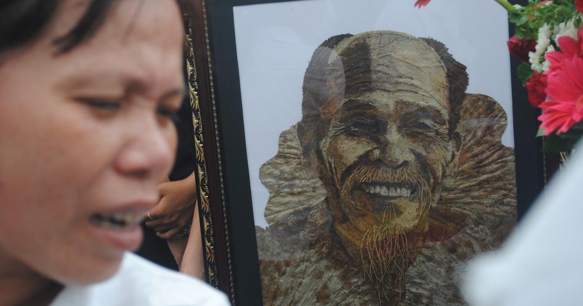 Tiễn biệt Anh hùng phi công Nguyễn Văn Bảy an nghỉ trong lòng đất mẹ