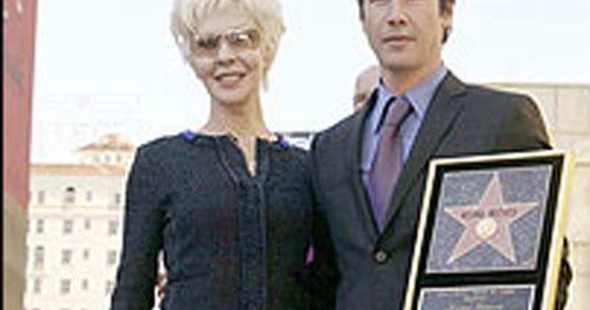 Keanu Reeves được gắn sao trên Đại lộ danh tiếng