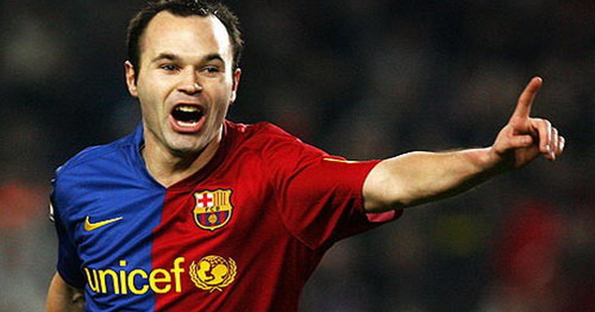Iniesta bị cấm thi đấu vì