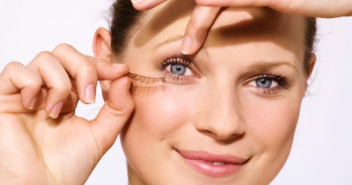 Image result for Cứ duy trì những thói quen xấu này chỉ khiến lông mi của bạn nhanh gãy rụng.